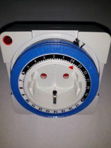 Часовой механический таймер розетка